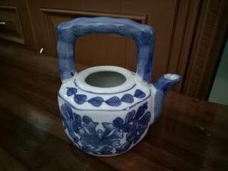 Teko Keramik Kecil Tanpa Tutup