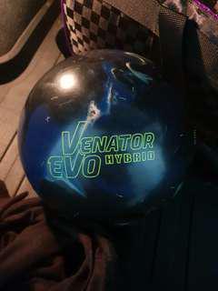 Used Seismic Venator Evo Hybrid 14lb bowling ball (not Storm Rotogrip Brunswick)