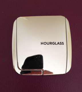 Hourglass Strobe Lighting Powder- Euphoric