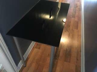 Shiny black desk