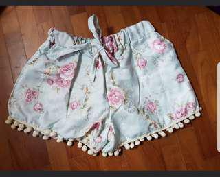 🚚 BN♥️ Flower pong pong shorts