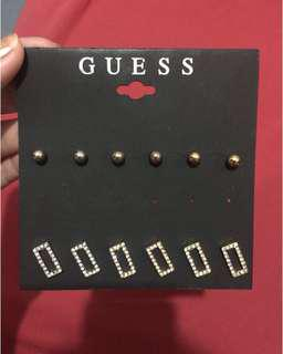 Guess Earings (TAKE ALL)