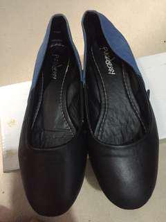 Punkberry Black and Blues Shoes