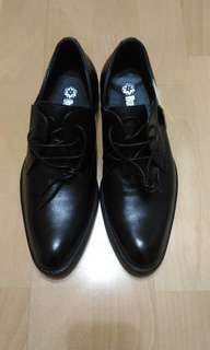 🚚 型男帥氣皮鞋