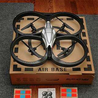 超平 出讓 Parrot AR Drone 飛過兩次 航拍機 全套有盒新淨 適合初哥練習