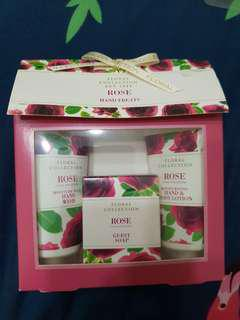 Marks & Spencer Rose Hand Treats