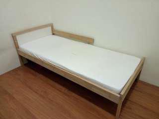 Ikea 兒童床+床墊