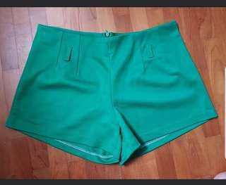 🚚 BN♥️ Green shorts