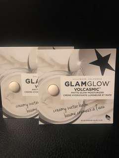 *Free by post* GLAMGLOW VOLCASMIC Matte Glow Moisturizer 0.5ml x 2pcs