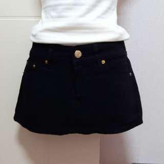黑色牛仔短裙