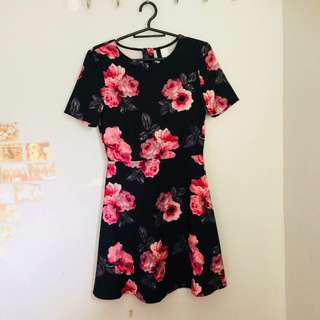 divided h&m floral dress