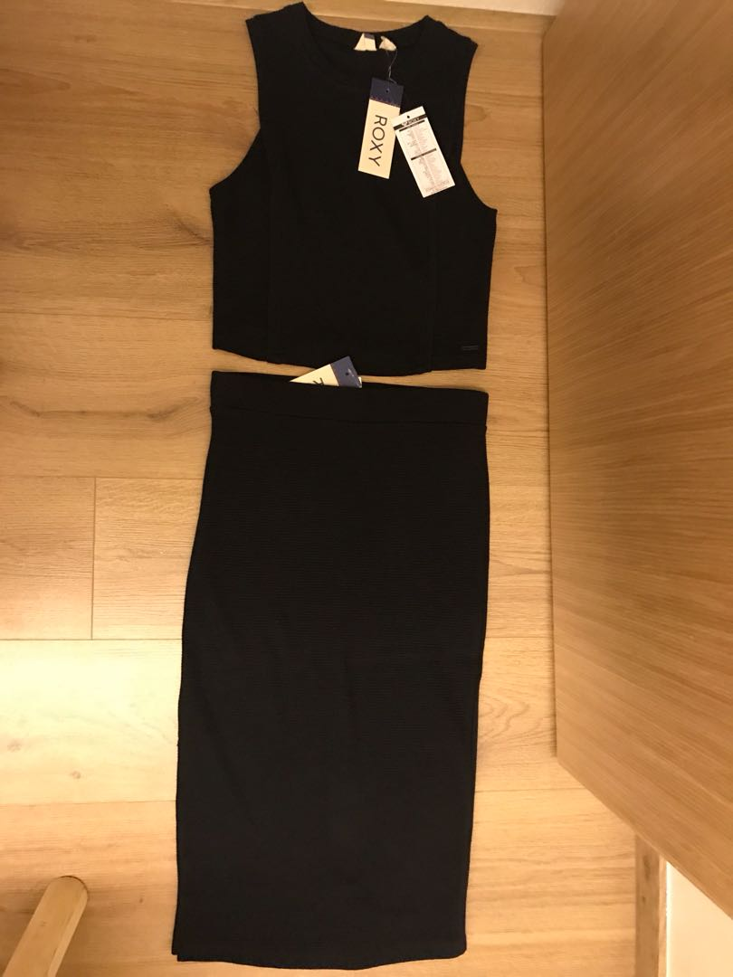 8380bc135429 2 piece roxy black cropped and long skirt, Women's Fashion, Clothes ...