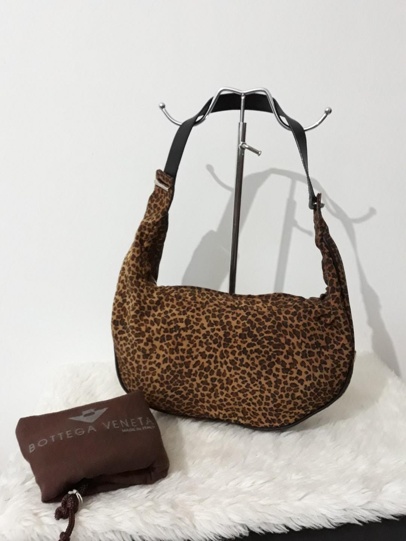 06500c1d7fc3 Authentic Bottega Veneta classic brown leopard print medium baguette ...