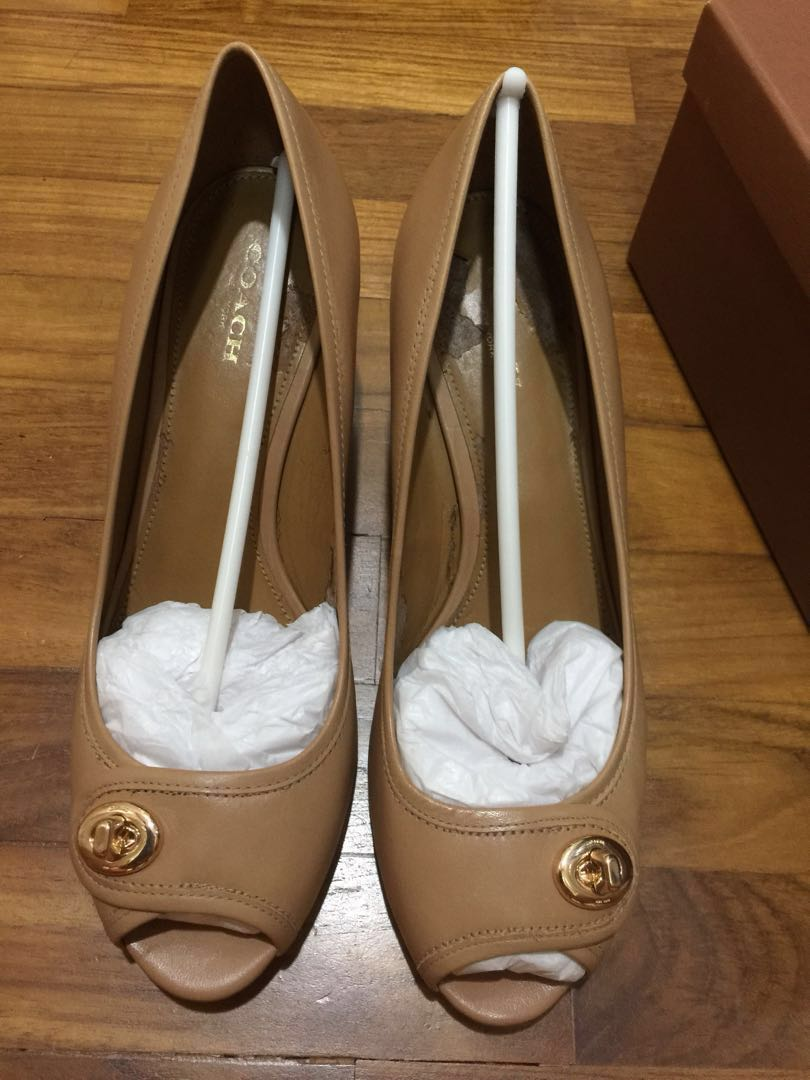 57dcb13132a2 Big Markdown- AUTHENTIC COACH NUDE PUMP