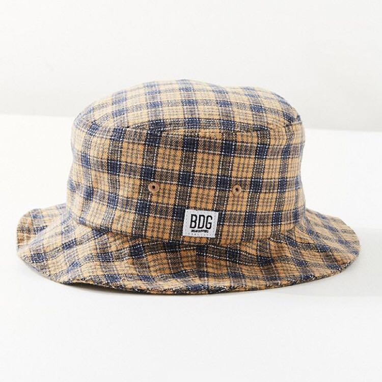 14e9aa58458c3 BNWT) Yellow BDG Plaid Bucket Hat