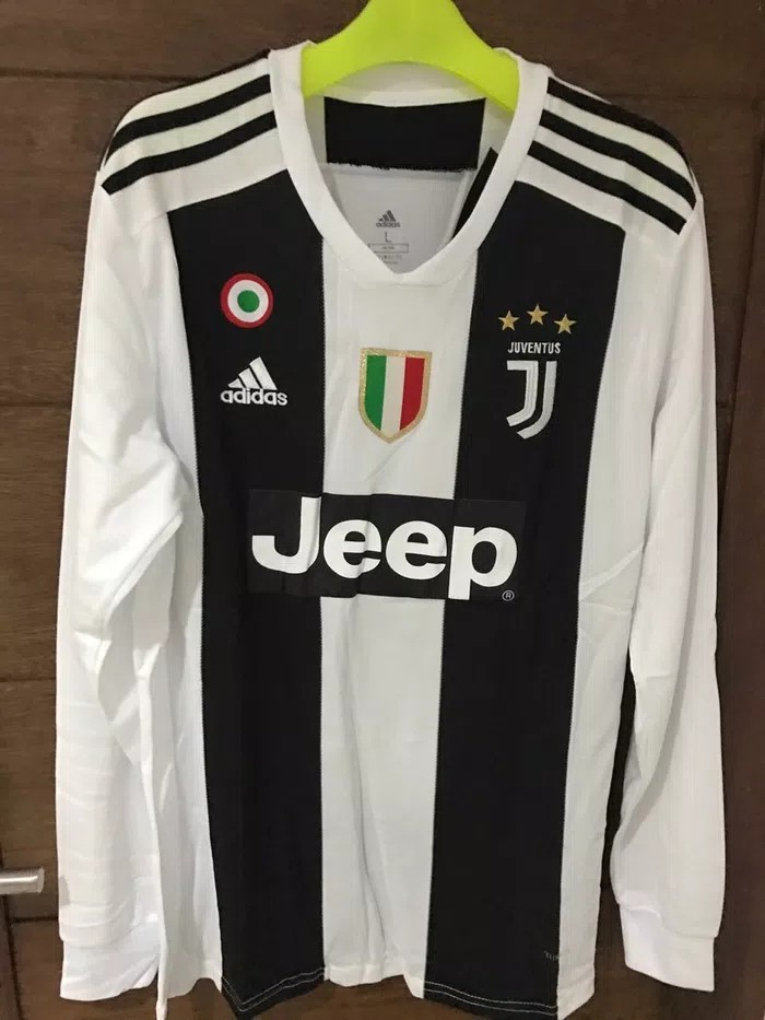 lowest price 5f06b 934d7 Juventus Jersey long sleeve 18/19 with patches, Sports ...