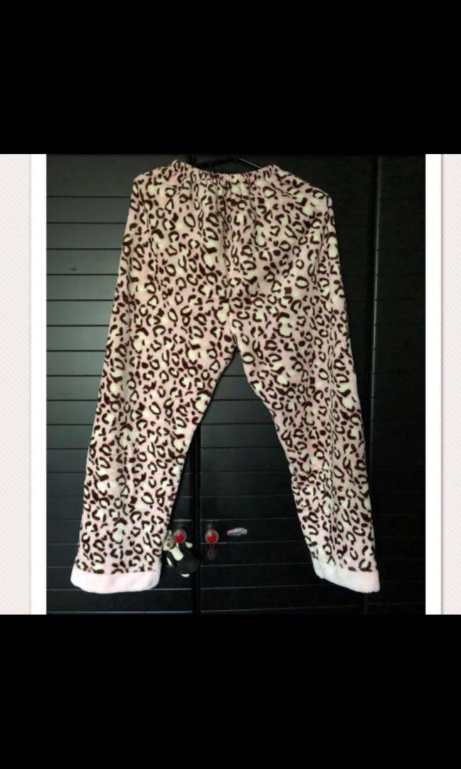 c85a4150b Ladies women adult soft fleece leopard print pyjamas night wear ...