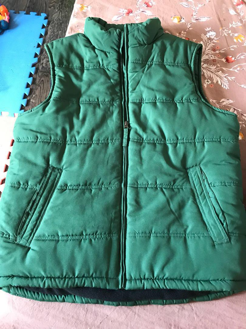 Men sleeveless warm jackets.EUC . Pick up queen and McLaughlin .both $45 price is frim