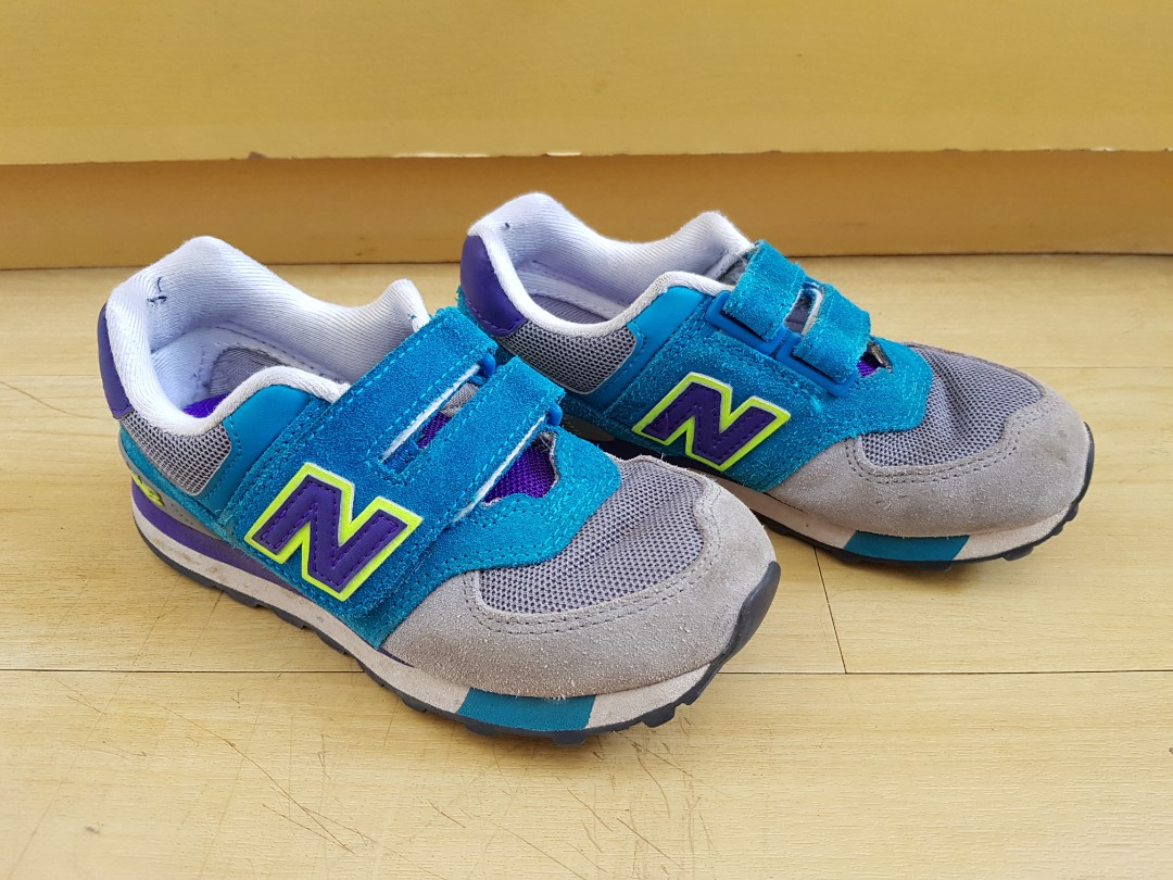 New Balance 574 rubbershoes with velcro
