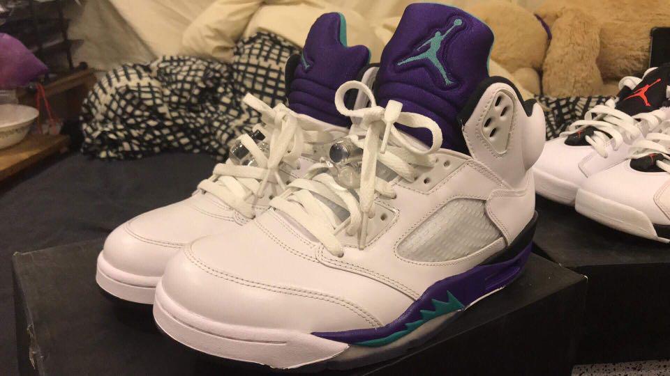 "Nike Air Jordan 5 ""grapes"" US size 9"