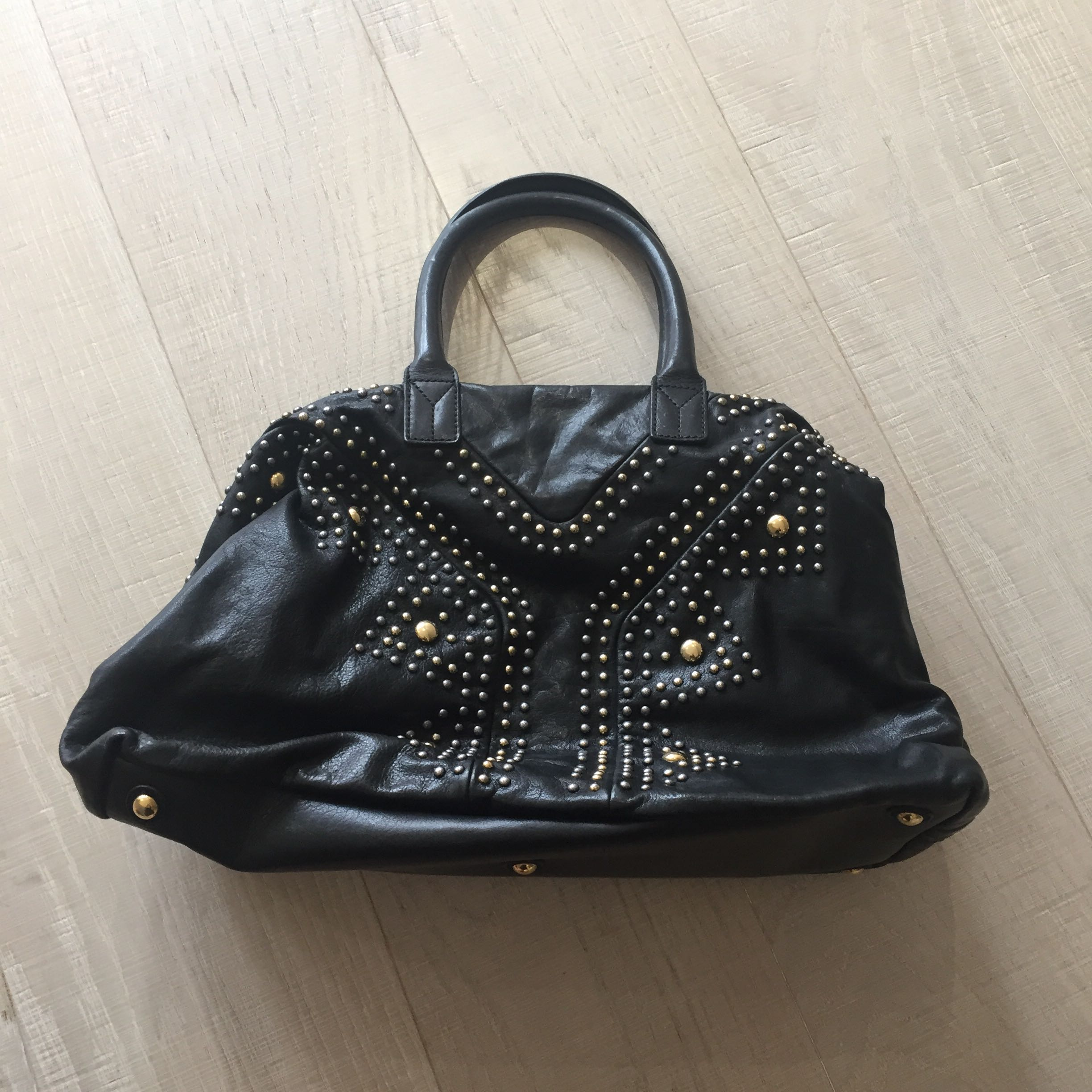 6874936e745 Preloved Authentic YSL Calfskin Studded Sac Y Rock Black, Women's Fashion,  Bags & Wallets on Carousell