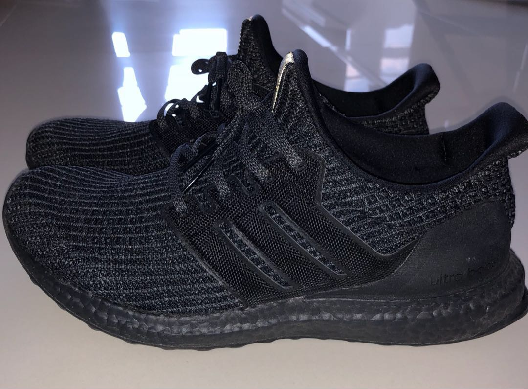 eecb20e89 Ultra Boost 4.0 triple black