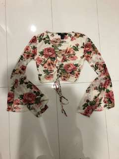 SIRENS LACE FRONT CROP TOP SIZE M