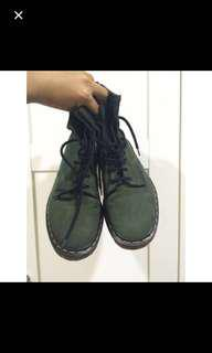 Dr Martens UK6 Green Highcut Boots