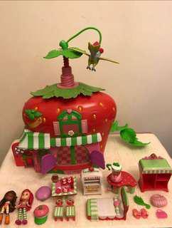 Strawberry 🍓 shortcake Cafe