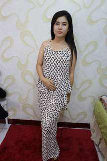 Long dress peplum motif