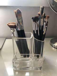 Acrylic makeup brush holder