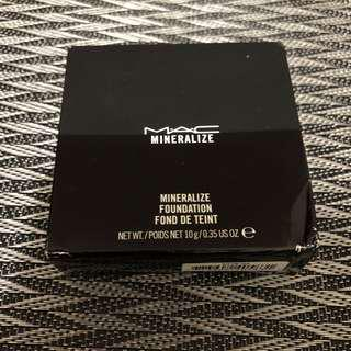Mac Mineralize Foundation NC37