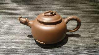 宜興紫砂壺、丁玉英、三足龍團壺