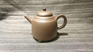 宜興紫砂壺、周六妹、惠泉三足壺