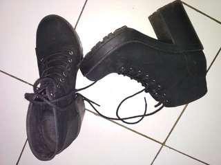 Boots HnM original 100% size 38-39. Harga asli Rp499.000