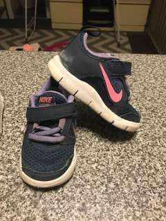 Nike size 5C