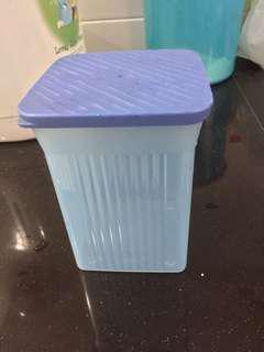 Original Tupperware container (800ml)