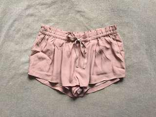Wilfred Montrogue Shorts - M