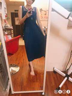 🚚 藍色素色小心機洋裝