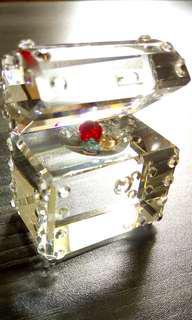 《款項捐贈泰山公德會》水晶寶箱