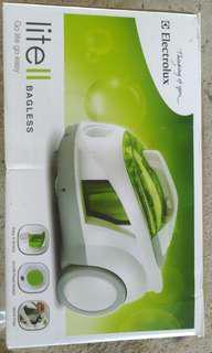 Vacuum cleaner ELECTROLUX Z1850 LITE II