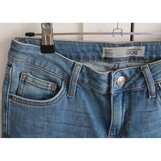 TOPSHOP Boyfriend Crop Jeans