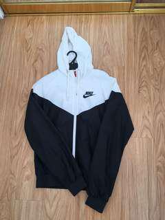 Nike wind runner