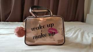Make-up Bag with fur ball Rosegold colour