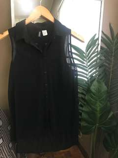 H&M Black Sheer Collared Button Down Sleeveless Top