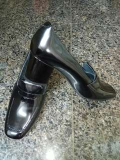Japanese Liberal Black Color Genuine Paint Leather Shoes