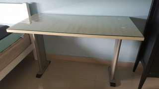 Office table with customised tempered glass