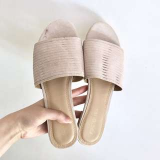 FOREVER NEW BLUSH PINK SANDALS