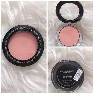 Studio makeup blush on shade poppy