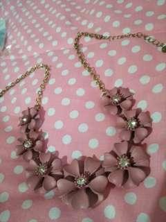 Kalung pink